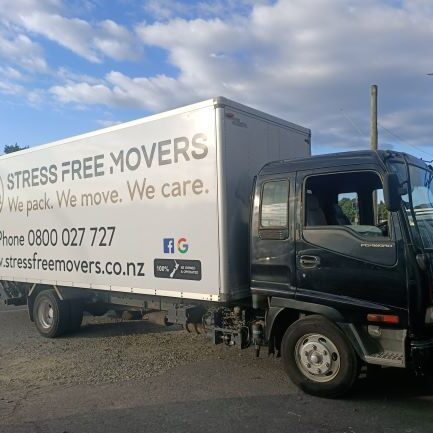Auckland furniture movers truck